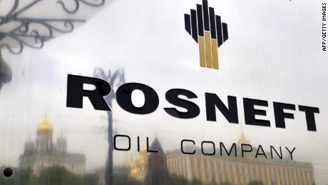 U.S. slaps sanctions on Russia's Rosneft