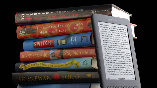 Amazon this week launched a program to let Kindle users borrow digital books from 11,000 U.S. libraries.