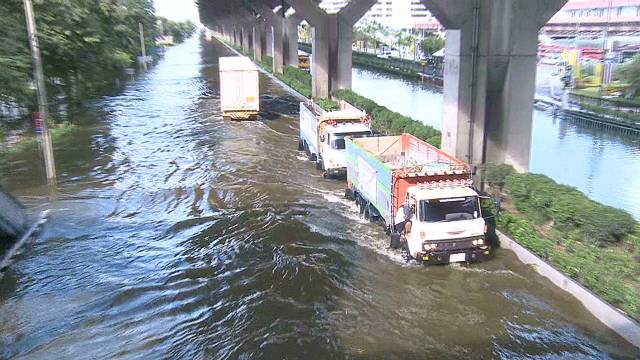 Bangkok road becomes river