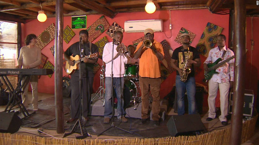 There are a number of Jazz café's in the capital Maputo. The band Ghorwane play the area's famous style of music called marrabenta, a mix of traditional and urban dance music.