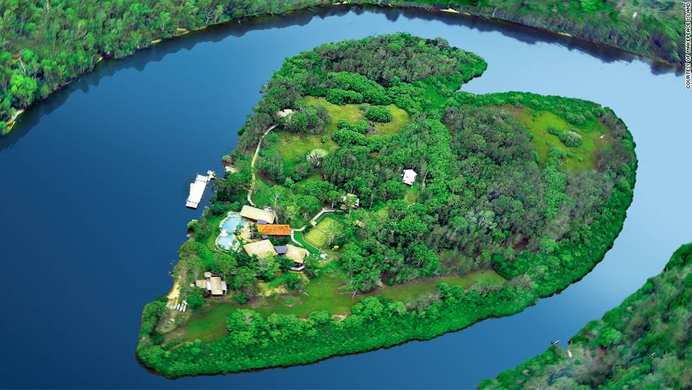 "The heart-shaped oasis of <a href=""http://makepeaceisland.com/"" target=""_blank"">Makepeace Island</a> is Virgin boss Richard Branson's Australian home, but when he's away this Queensland's Sunshine Coast getaway can accommodate 20 guests."