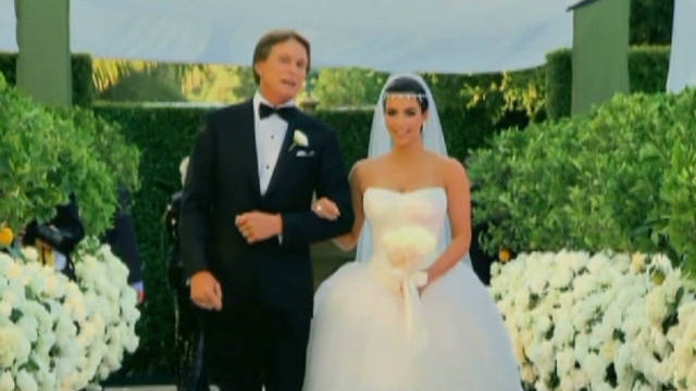 exp sbt kardashian give back wedding money_00000201