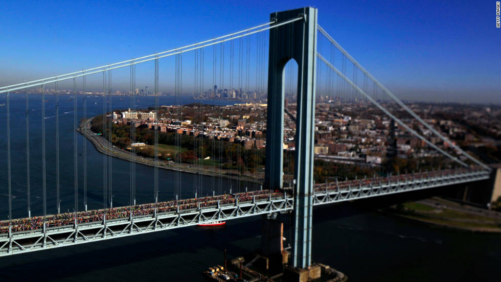 Runners cross the Verrazano-Narrows Bridge toward Brooklyn on Sunday.
