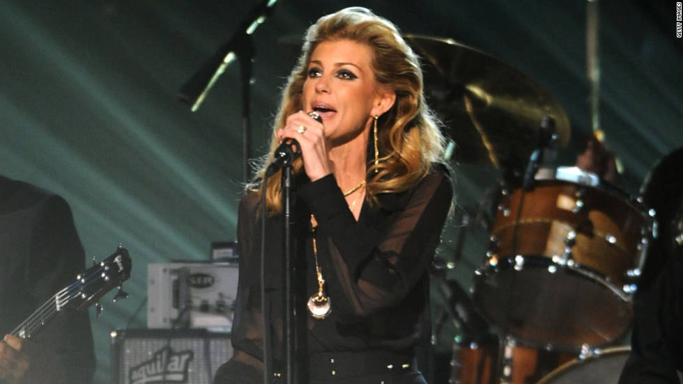 "Faith Hill returns to the CMA Awards stage for the first time in five years to debut her new single, ""Come Home."""