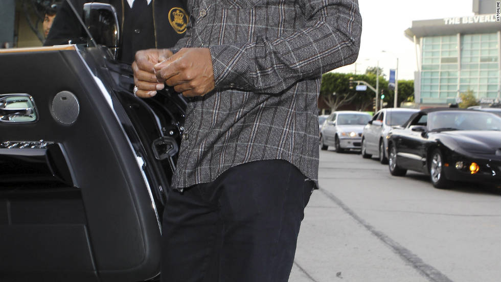 Eddie Murphy goes shopping in Beverly Hills.
