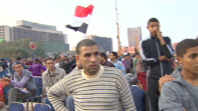 Souvenirs instead of gas masks in Tahrir