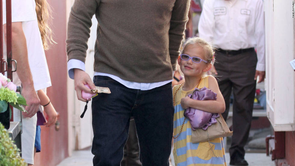 Ben Affleck has lunch with his family in Brentwood.