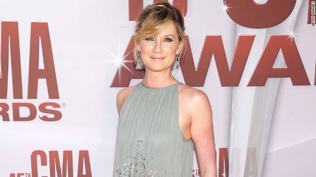 who is jennifer nettles dating People who have problems with my lover jennifer nettles need to  your age jennifer,  pregnant unplanned after dating my ex for a month but we were.