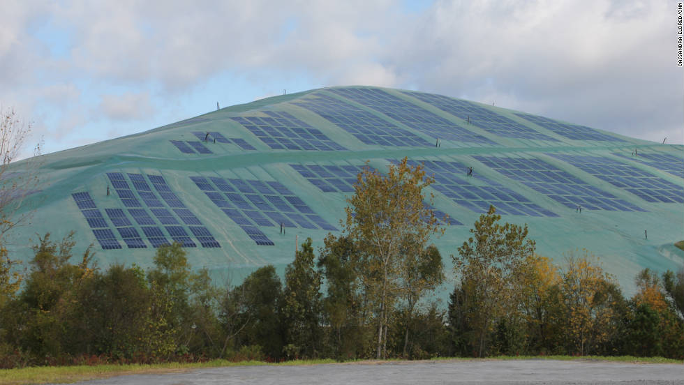 A landfill site on the outskirts of Atlanta, Georgia has covered 10 acres of land with plastic solar panels.