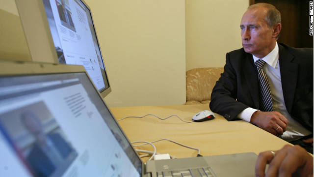 Commentator Andrew Keen says Vladimir Putin has underestimated the internet's potential as a tool for his opponents.