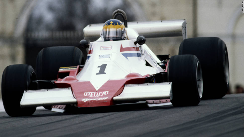 South African driver Desire Wilson failed to qualify for the 1980 British Grand Prix while competing for Brands Hatch Racing. She did take part in the 1981 South African Grand Prix, but the race was later stricken from F1 records for political reasons.