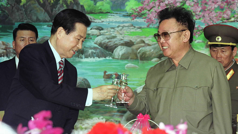 South Korean President Kim Dae-jung, left, and North Korean leader Kim Jong Il toast each other at a lunch on June 15, 2000 held, in Pyongyang, North Korea. This was the first meeting of the leaders of the two countries.