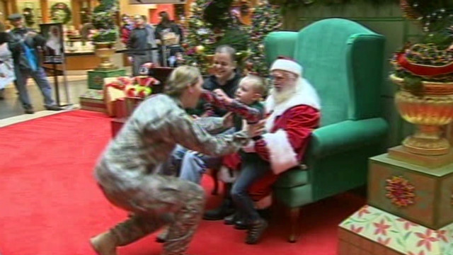 dnt pa soldier mom surprises kids wtae_00011314