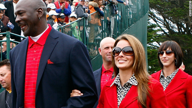Michael Jordan and his longtime model girlfriend Yvette Prieto got engaged on Christmas Day.