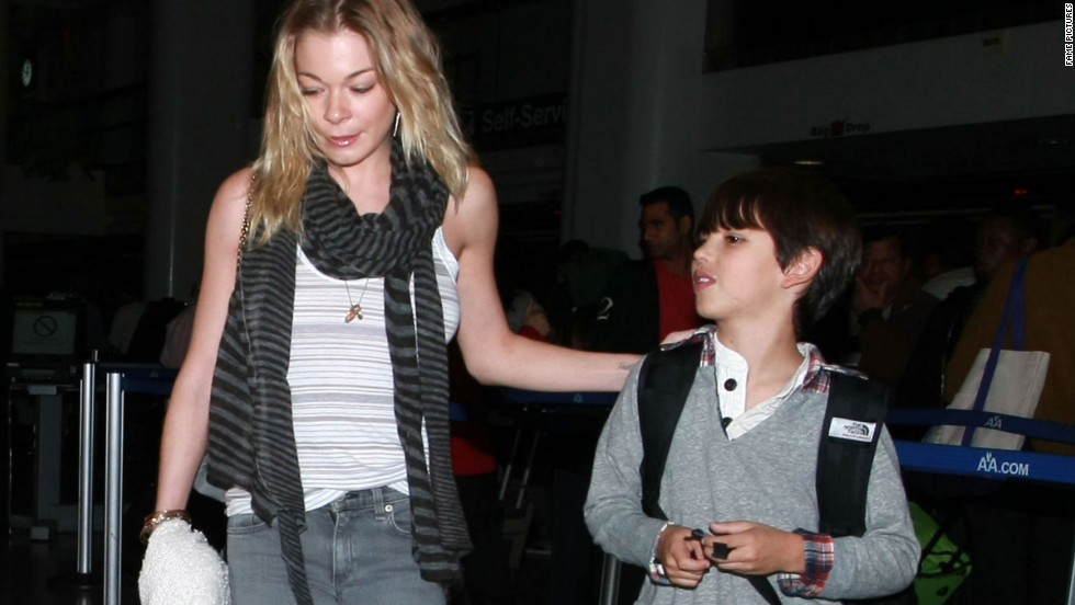 LeAnn Rimes arrives in Los Angeles.