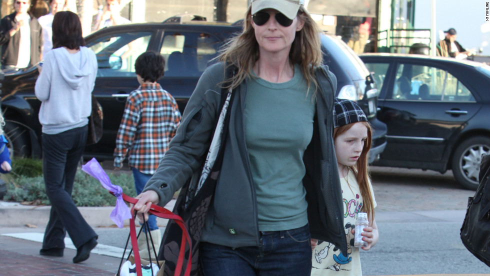 Helen Hunt roams around West Hollywood with her daughter.