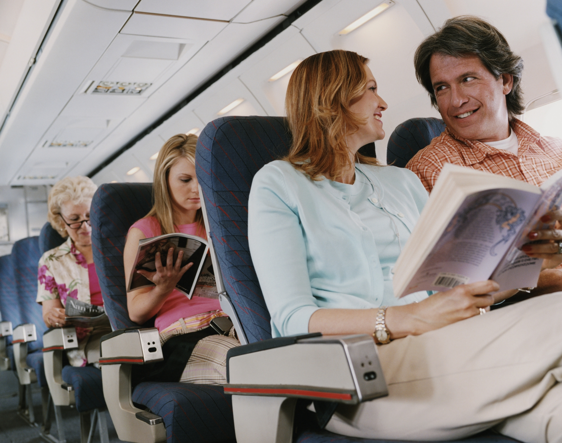 1 in 50 people finds love on an airplane, HSBC study claims | CNN Travel