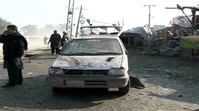 Pakistan blast kills dozens