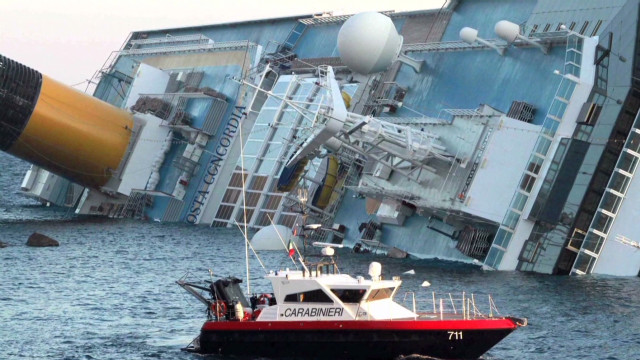 3 killed after cruise ship runs aground