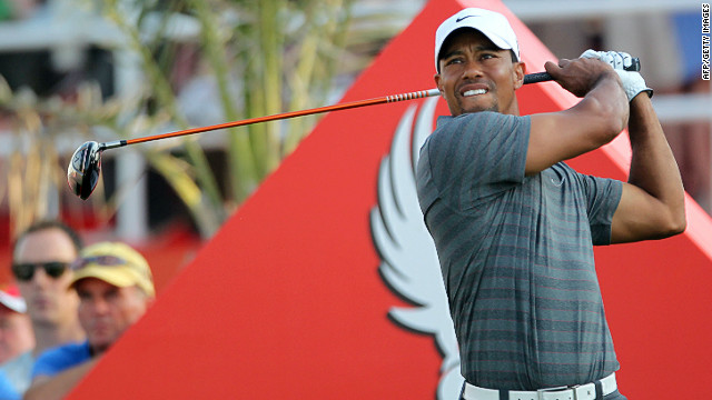 Tiger Woods returned to the top of the leaderboard with a six-under par 66 in Abu Dhabi on Saturday.