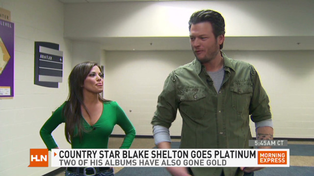 exp mxp.blake.shelton.super.bowl_00002201