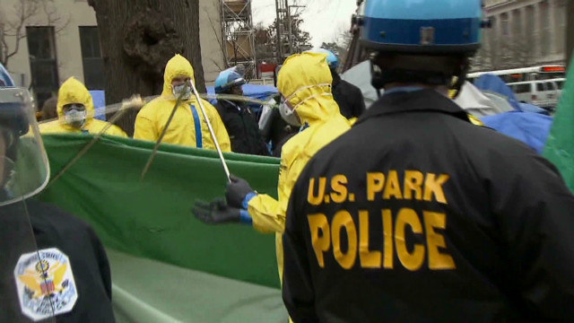 Police raid Occupy camp in Washington