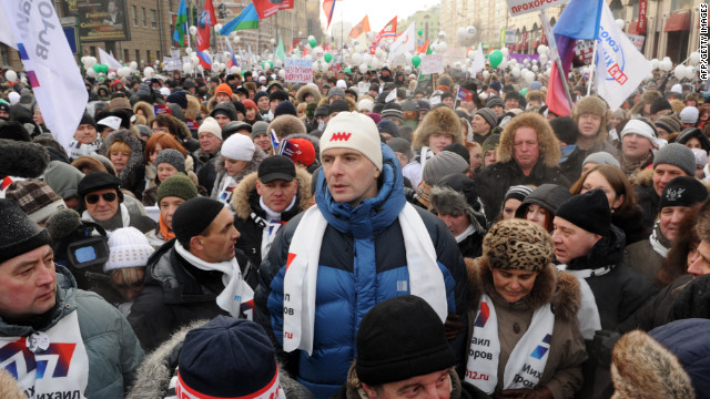 Billionaire candidate Mikhail Prokhorov (C), the only independent allowed to run (C), protests in Moscow on February 4.