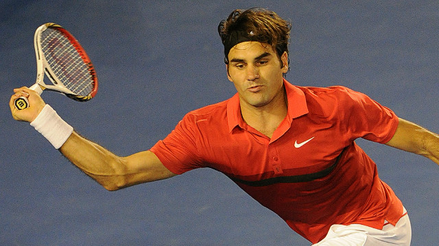 Roger Federer enjoyed a straight sets win over Nicolas Mahut at the ATP Tour 500 event in Rotterdam on Wednesday