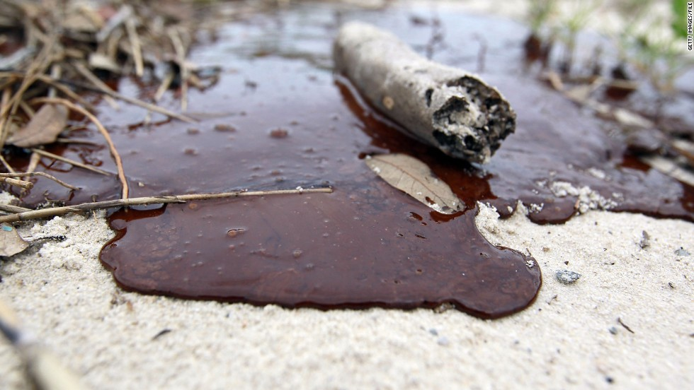 Thick oil is seen washed ashore from the Deepwater Horizon oil spill in the Gulf of Mexico on July 1, 2010 in Gulfport, Mississippi. Nanotechnology has the potential to tackle environmental disasters such as this much more effectively than traditional methods.