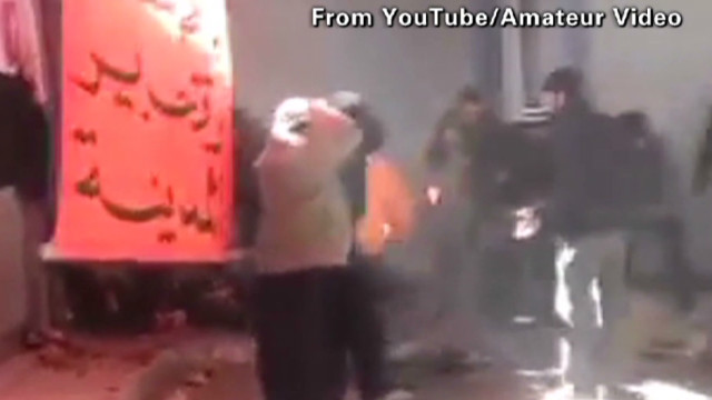 Explosion hits Homs protest