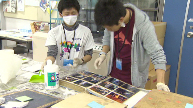 Restoring tsunami victims' photos