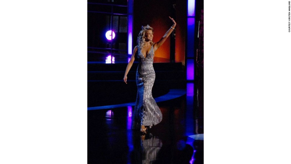 Haglund waves to the crowd at the 2009 Miss America Pageant where she turned the crown over to Miss Indiana Katie R. Stam.