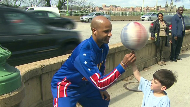 Globetrotters dribble into Washington