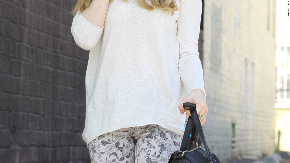 Amanda Seyfried goes to a pet shop in Beverly Hills.
