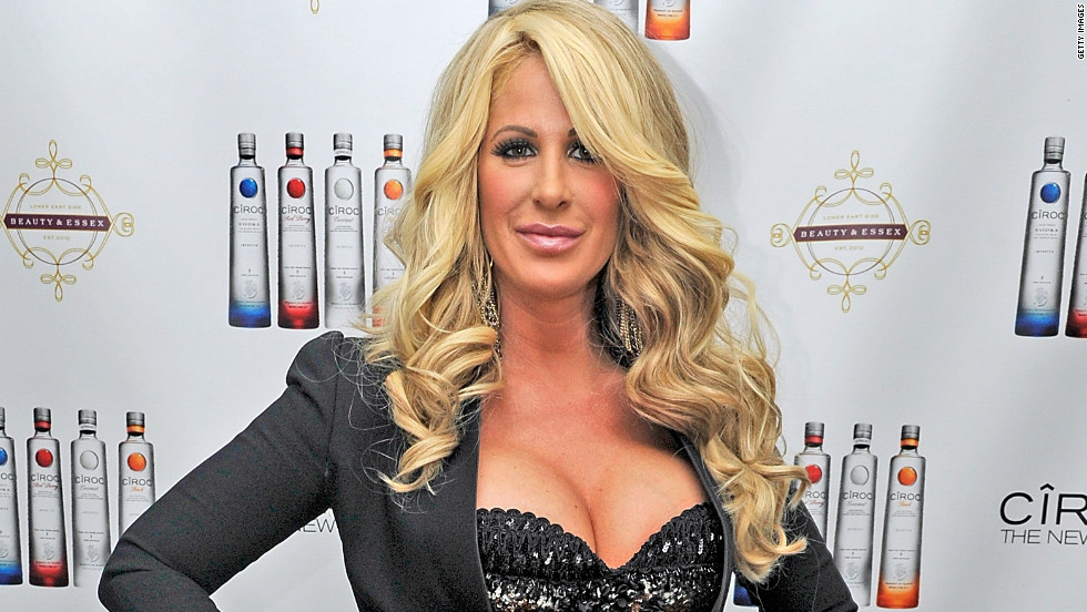 """Real Housewives of Atlanta"" star Kim Zolciak was accused of being tardy with the money in March 2013 by fellow cast member Kandi Burruss and producer Don Vito. The pair accused her of denying them payment and rights to her single ""Tardy for the Party."" Zolciak <a href=""http://www.prlog.org/12101795-press-statement-for-kim-zolciak-biermann-star-of-the-real-housewives-of-atlanta-by-mike-paul.html"" target=""_blank"">released a statement denying the claims.</a>"