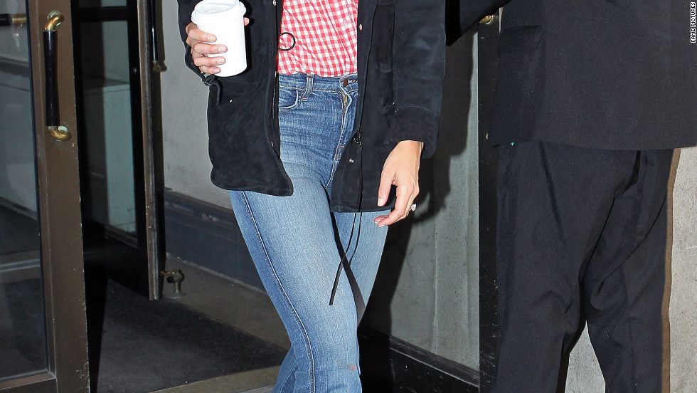 Katie Holmes leaves her New York City apartment.