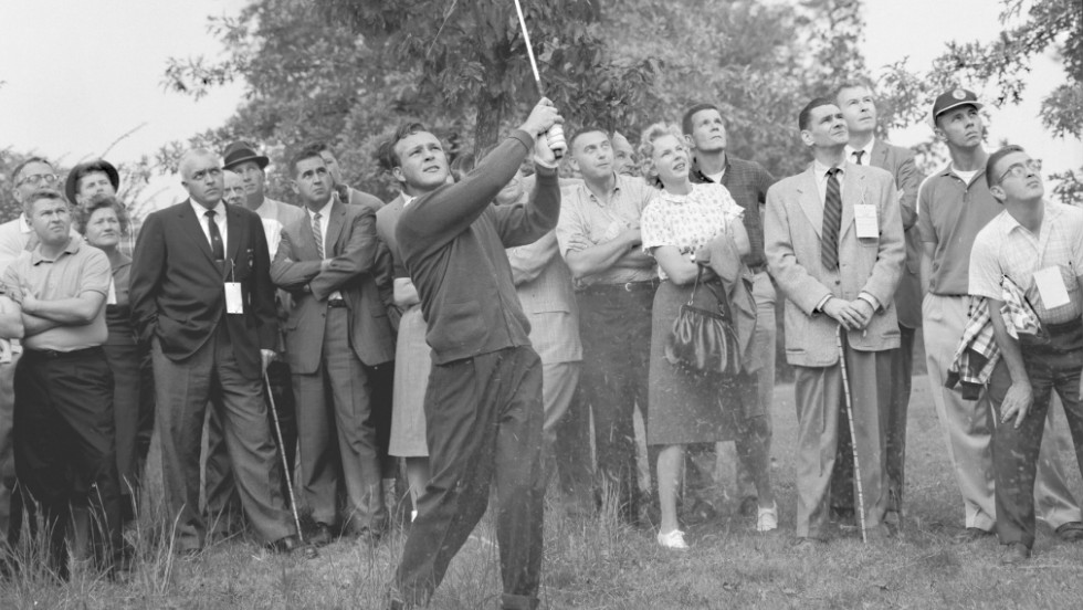 Palmer turned professional in 1954, aged 25, and joined the PGA Tour a year later. It wasn't long before his undoubted talent began to shine through, with his first victory coming in that year's Canadian Open, where he shot an impressive 23 under par over four rounds.
