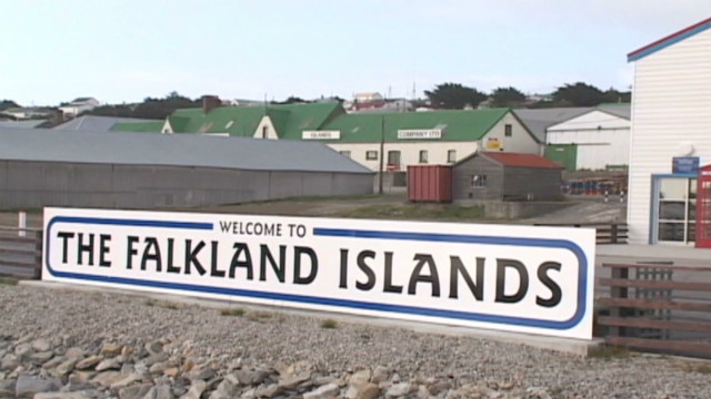 romo.falklands.tension_00020624