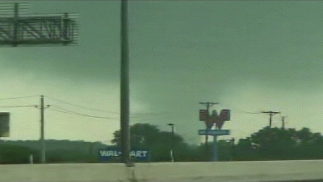 Tornado touches down in Dallas area