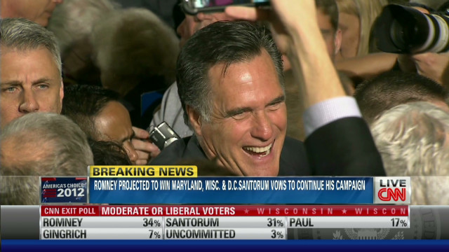 Romney wins three to widen Santorum gap