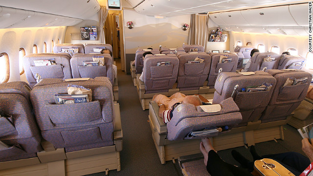 A view of business class in an Emirates Boeing 777-300ER, submitted to SeatGuru by a passenger.