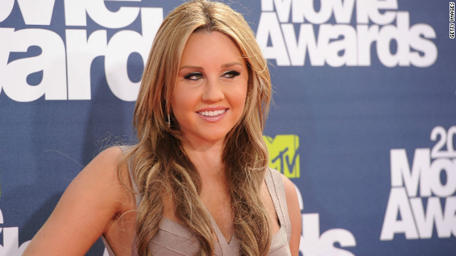 Actress Amanda Bynes arrives at the 2011 MTV Movie Awards at Universal Studios' Gibson Amphitheatre on June 5, 2011 in Universal City, California