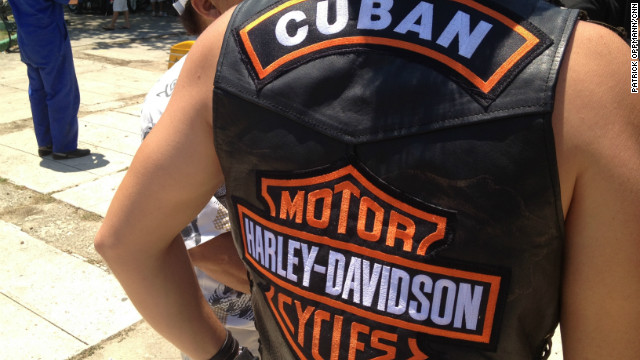 Vintage Harleys own Cuba's roads