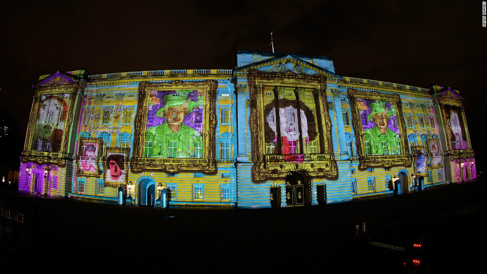 A photographer used a fish eye lens to capture the glory of Buckingham Palace transformed into art.