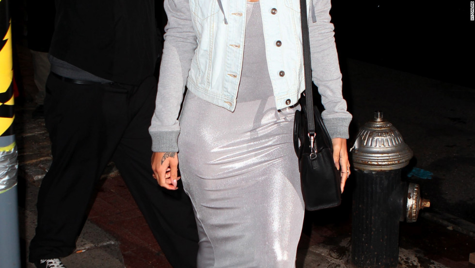 Rihanna dines in New York City.