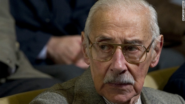 Argentina's former general and dictator Jorge Rafael Videla gestures during a session of his trial in Cordoba, Argentina on July 22, 2010.