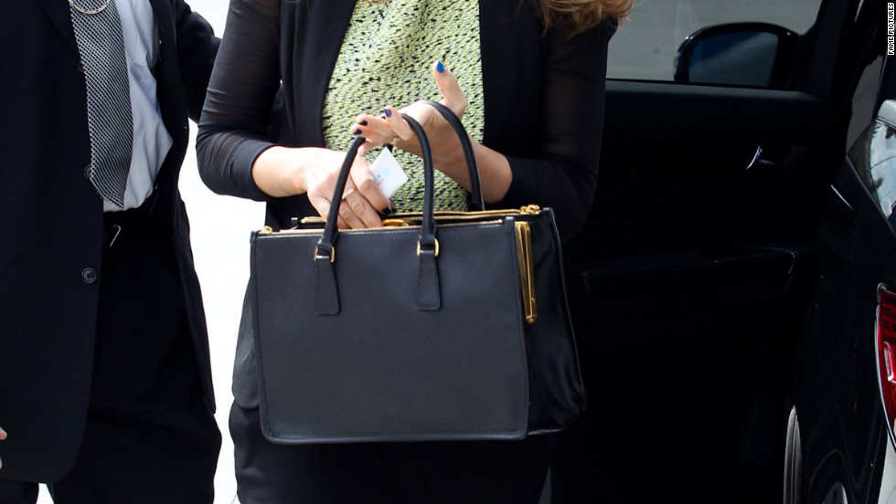 Jessica Alba goes to an office building in Los Angeles.