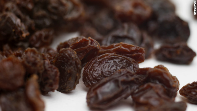 A handful of raisins can go a long way is eaten before a workout