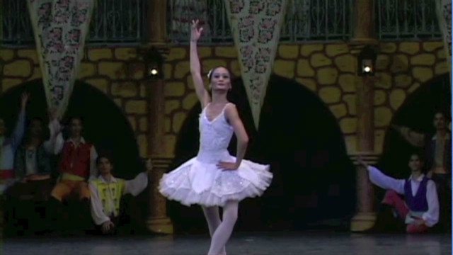 Ballet provides opportunity in Manila