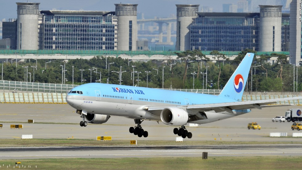 Korean Air executive resigns over nuts on a plate row